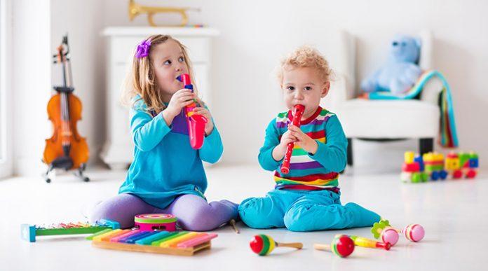 Kako otroku približati glasbo
